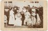 Groepsportret met regentes Emma (1858-1934) en prinses Wilhelmina (1880-1962)
