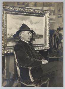 Nicolaas Bastert in zijn atelier in Loenen aan de Vecht