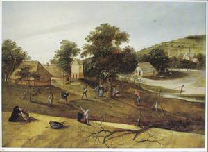 Weids heuvellandschap met dorpelingen die het ketspel spelen en in de achtergrond de appeloogst