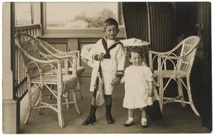 Portret van Jhr. Cornelis Hendrik (Kees) Beelaerts van Blokland (1911-?) en Jkvr. Willemine Jacoba Beelaerts van Blokland (1913-?)