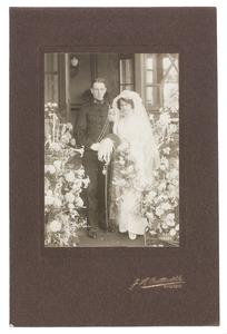 Portrait van Adele van Houten en M.Th. van Staveren