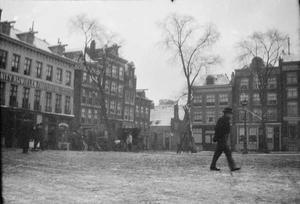 Gezicht op het Haarlemmerplein te Amsterdam