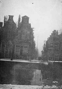 Gezicht op de Korte Prinsengracht en de ingang van de Vinkenstraat
