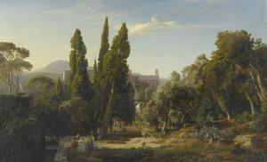 Cypressen in het park van Villa d' Este, met de watervallen van Tivoli in de achtergrond