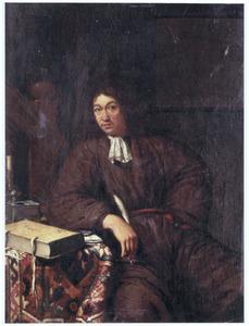 Portret van een zittende man met boek