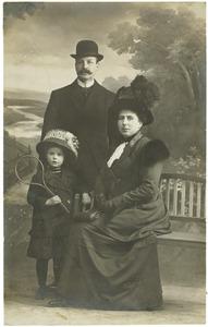 Portret van Kees Bos (?-?), Jocco Westerveld (?-?) en Hettie Bos (?-?)