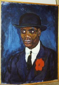 Zwarte man met bolhoed en rode corsage