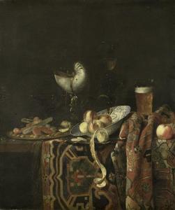 Stilleven op een tafel met een Perzisch kleed