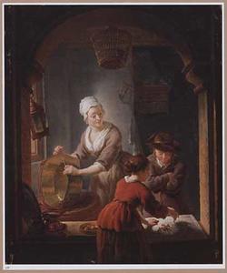 Keukenmeid die een koperen ketel schoonmaakt en twee kinderen die ganzenbord spelen in een vensteropening