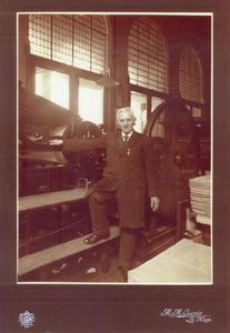 Frans (Fransiscus Lodevicus) Frequin (1843-1926), drukker, gefotografeerd door zijn zoon