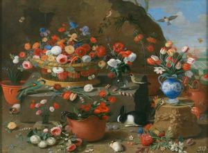 Bloemstilleven met kleine vogels, marmotten en een konijn
