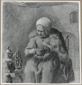 Vrouw zittend naast een spinnewiel draad opwindend