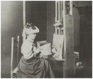 """Portret van Gesina """"Geesje"""" Mesdag-van Calcar (1850-1936) in haar atelier in Scheveningen"""