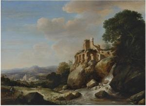 Reizigers bij een rivier met daarboven een ruïne en in het verschiet een weids landschap
