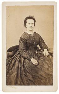 Portret van Sara Nout (1840-1903)