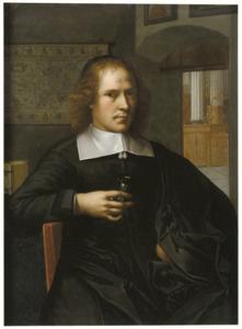Portret van een man met een zandloper