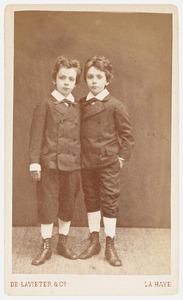 Portret van Jannes Willem Robert Schill (1870-...) en Robert Willem Jannes Schill (1870-...)