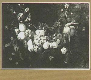 Guirlande van druiven, citroenen, peren, kersen en pruimen