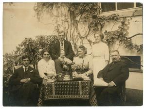 Portret van Willem Schutte (1865-1930) en zijn familie