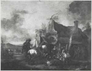 Kaartspelende soldaten voor een huis