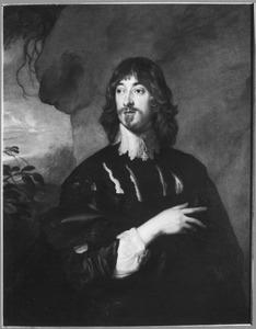 Portret van een man voor een rotswand