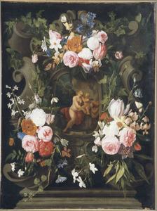 Bloemen rond een nis met een voorstelling van Venus en Amor