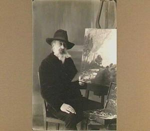 Portret van de schilder Piet van den Bergh (1865-1950)