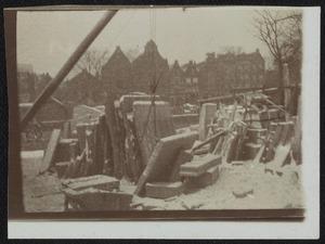 Gezicht op de steenhouwerij van N. Cortlever op Prinseneiland te Amsterdam