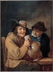 Een man en een vrouw met een grote kruik