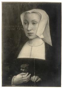 Portret van een vrouw met een anjer