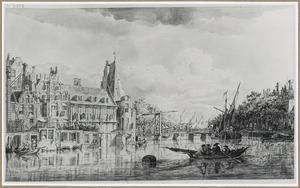 Amsterdam, gezicht vanaf de Amstel naar de Kloveniersburgwal, met links de achterzijde van de Nieuwe Doelenstraat