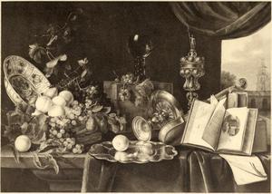 Stilleven met siervaatwerk, viool, boeken en vruchten