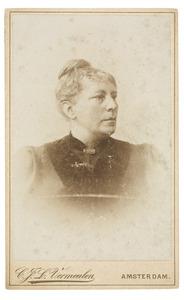 Portret van Louize Martine Gustavine van der Mijll Dekker (1839-1903)