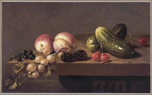 Vruchten en augurken op een tafel