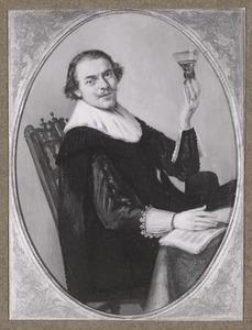 Een zittende man met een wijnglas en een muziekboek