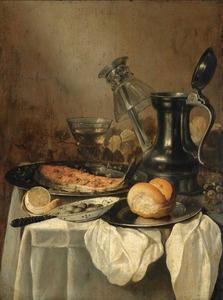 Stilleven met een Jan Steen-kan, roemers en etenswaren op een gedekte tafel