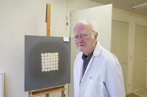 Portret van Henk Peeters in zijn atelier