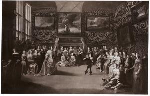 Elegant gezelschap in een interieur met een paar dat een menuet danst
