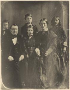 Portret van Hendrik Willem Bosch (1807-1870), Wilhelmina Jacoba Vermeulen (1820-1865) en vier van hun kinderen