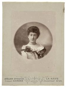 Portret van Margaretha Johanna van den Brandeler (1854-1936)