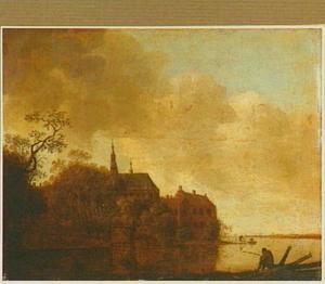 Rivierlandschap met een kerk op de linkeroever; rechts voor een hengelaar