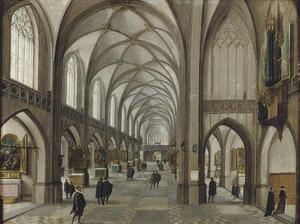 Gotisch kerkinterieur met elegante figuren