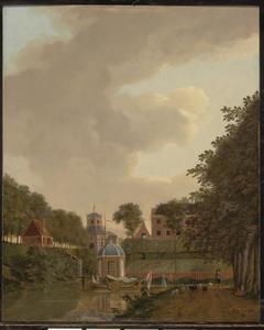 Gezicht vanaf de Maliesingel in Utrecht naar de Wittevrouwenpoort en het Suikerhuis op het Lucasbolwerk