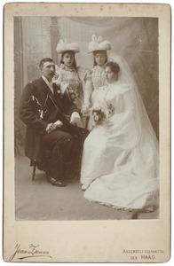 Huwelijksportret van Hendricus Quirinus Schrijver (1856-1935) en Maria Sophia Louise Lanen (1872-1943)