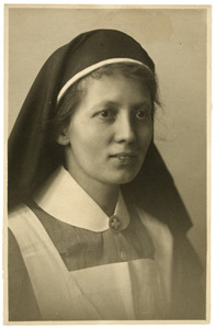 Portret van Louise Doeve (1897-)