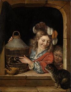 Twee kinderen met een kat en vogelkooi in een venster
