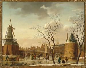 Haarlem, gezicht op de Catharijnebrug over het Noorder Spaarne, met de molen De Adriaen in de winter