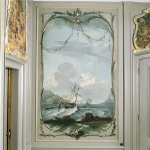 Marine omkaderd door rocaille-ornamenten