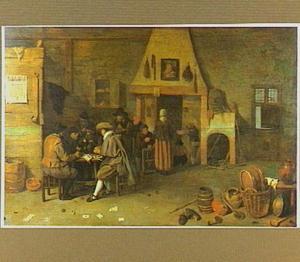 Interieur van een herberg met lezende figuren rond een tafel