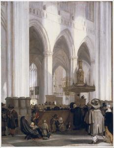 Interieur van de Nieuwe Kerk te Amsterdam, met kerkgangers luisterend naar een predikant